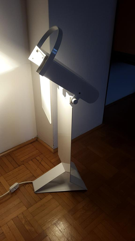 Purpleprice lampada bianca modernariato da terra alogena for Lampade modernariato